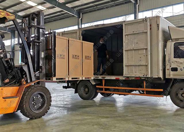 7月10日山东照瑞环保医疗污水处理设备二氧化氯投加器发货